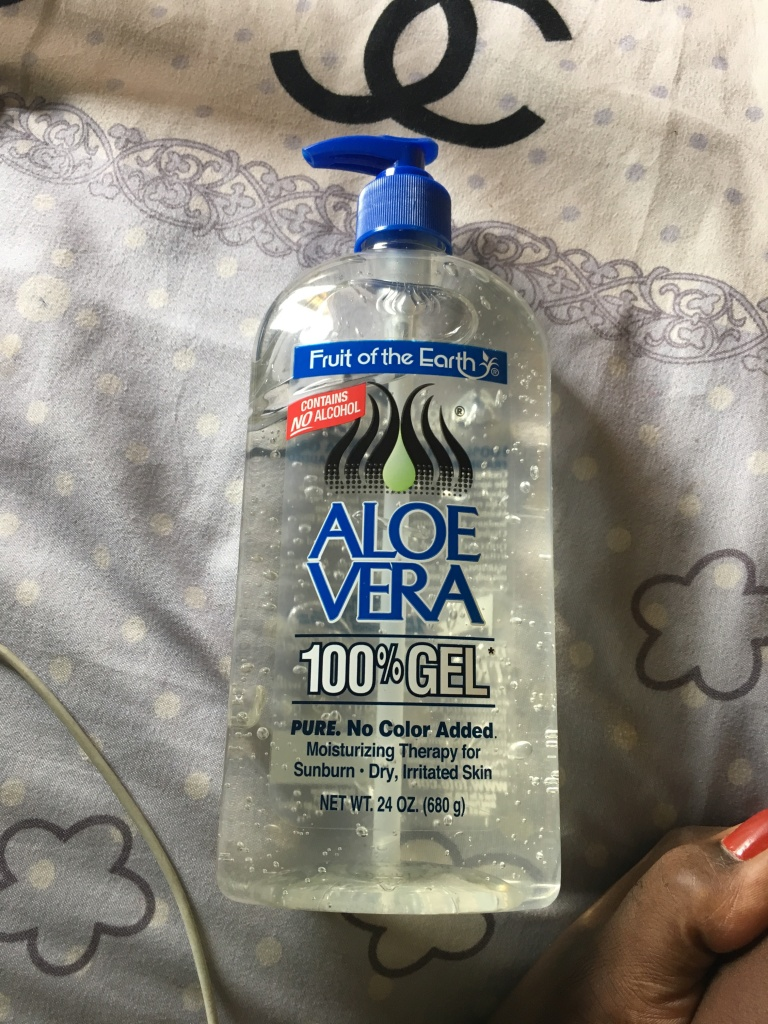 Picture showing a Fruit of the earth 100% aloe vera 680g bottle