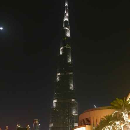 picture showing the burj khalifa in dubai lighted up at night