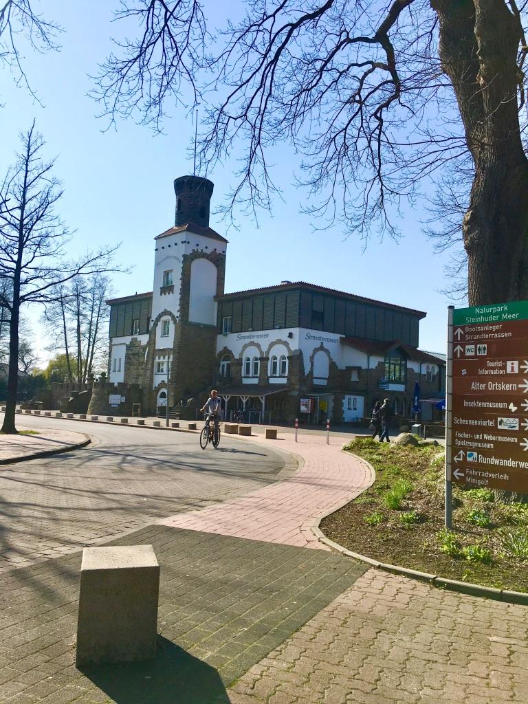 Building at Steinhuder Meer